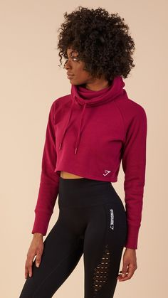 Snuggle up in the Gymshark Slouch Cropped Hoodie, with oversized cowl neck and indescribably soft cotton fabric. Coming soon in Beet.