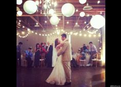 @Paige Soucie: @HuffPost Wedding One of my best friends got married! pic.twitter.com/6N9ywu2l