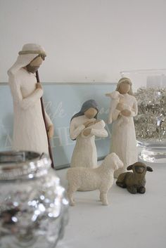 Willow Tree Nativity - love this. I keep  planning to collect willowtree figurines, but have never started.