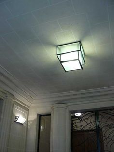 1000 id es sur luminaires d 39 poque sur pinterest tapis - Luminaire art deco plafonnier ...