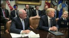 Presiden Trump bersedia melakukan perundingan ulang kesepakatan perdagangan bebas Amerika Utara atau NAFTA setelah ia berbicara dengan pemimpin Kanada dan Meksiko. Apa kata para pengamat mengenai hal ini? Simak #LaporanVOA bersama Helmi Johannes berikut ini.  Di YouTube: https://youtu.be/cypgbSqtSDs