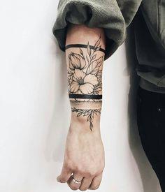 Tattoos And Body Art best tattoo artists Botanisches Tattoo, Tattoo Band, Mom Tattoos, Wrist Tattoos, Trendy Tattoos, Piercing Tattoo, Flower Tattoos, Body Art Tattoos, Piercings