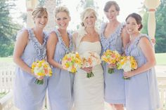 love this blue and yellow combo...great for a cute outdoor wedding