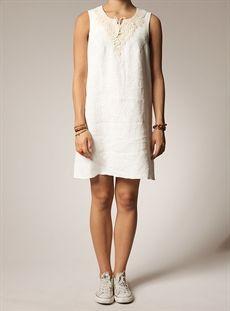 Torild - linen dress with application in offwhite Linen Dresses 39e721026fc97