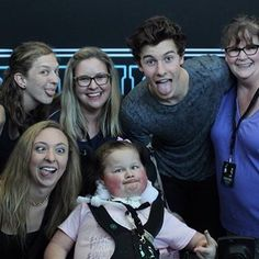 "2,299 Likes, 17 Comments - shawnmendes.♡ (@breathingformendes) on Instagram: ""this is sooo cute omg @shawnmendes #illuminatetourportland #mendesarmy #shawnmendes…"""