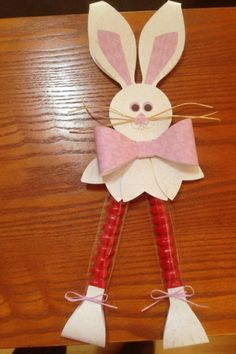 "Gift bow die Easter bunny by Sharon Winter, My daughter came up with this cute bunny since we couldn't find one made with the Gift bow die. She didn't use all SU products, but I felt it was worth sharing since we couldn't find anything similar anywhere else. Uses 1"" x 8"" cello bags, gift bow die, circle punches, small heart punch, and linen thread or raffia."
