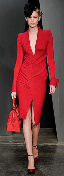 Donna Karan Fall - Total Street Style Looks And Fashion Outfit Ideas Red Fashion, High Fashion, Fashion Beauty, Womens Fashion, Style Fashion, Fashion Trends, Donna Karan, Style Haute Couture, Corporate Attire