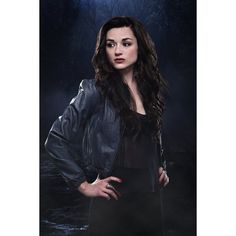 Crystal Reed ❤ liked on Polyvore featuring crystal reed, teen wolf, people and celebrities