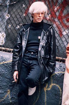 1995: David Bowie as Andy Warhol on the set of the film Basquiat Major Tom, Ziggy Stardust, David Bowie Andy Warhol, David Bowie Young, Angela Bowie, Pop Art, Ziggy Played Guitar, Popular Music, David Jones