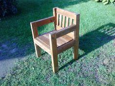Fenyőfa kerti szék