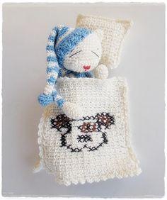 Sleeping Amineko by lella ✿ڰۣ—