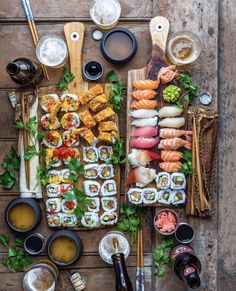 I would kill these sushi platters  Made by @dennistheprescott   check out www.makesushi.com for great sushi recipes