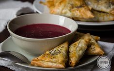 Krokiety z pieczarkami z ciasta filo Chicken Wings, French Toast, Grilling, Meat, Cooking, Breakfast, Food Ideas, Polish, Cake