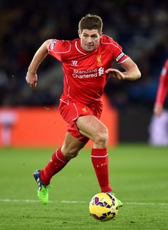 Liverpoo's Steven Gerrard drives the ball forward wearing his green adidas Predator Instinct FG Football Boots.   These football boots are available to buy here with Galaxy Sports online.   Click on the image to take you to our website.   100% Authetic Worldwide Shipping.   Photo Credit: Daily Echo.
