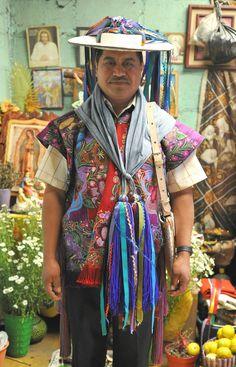 https://flic.kr/p/dygJtk | Maya Man Chiapas Mexico | Dressed for the fiesta in Zinacantan, Chiapas, Mexico