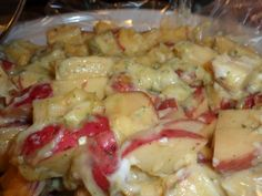 2 lbs red potatoes, cut up   1 can cream of chicken soup   1 cup sour cream   1 ranch packet     How to make it :     Mix all t...