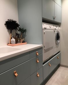 Draw colour for kitchen Small Laundry Rooms, Laundry Room Design, Laundry In Bathroom, Kitchen Design, Kitchen Decor, Interior Design Living Room, Living Room Designs, Home And Living, Kitchen Remodel