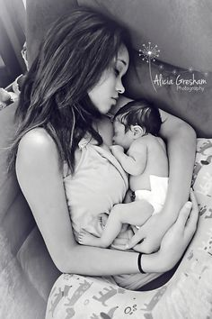 Birth Photos, Newborns, First Day home from Hospital. The Bond of a Mother & Baby! Newborn Pictures, Baby Pictures, Baby Photos, Pregnancy Pictures, Mom And Baby, Baby Love, Baby Hospital Photos, Birth Photos, Pregnancy Labor