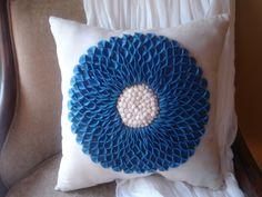 A Pillow for Mark DIY #diy #howto #pillow