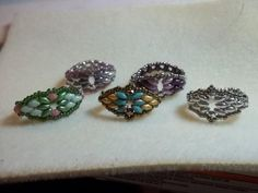 Super Duo Ring from Off the Beaded Path ~ Seed Bead Tutorials