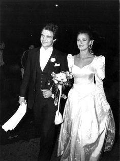 One Shoulder Wedding Dress, Retro Vintage, Nostalgia, Memories, Costumes, Concert, Wedding Dresses, Finland, Photographs