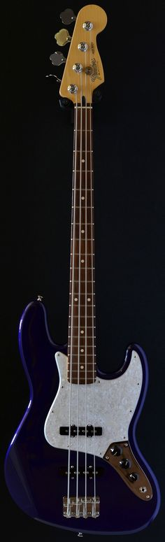 Fender made in Mexico Jazz bass 4 string (2011) (via Bass Direct)