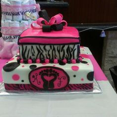 The first cake i've made :) for a baby girl's baby shower.