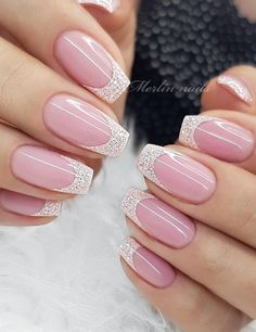 Beautiful Glittering Short Pink Nails Art Designs Idea For Summer And Spring - Lily Fashion Style Galaxy Nails, Gradient Nails, Uv Gel Nails, Diy Nails, Manicure Colors, Nail Colors, Short Pink Nails, Jet Set, Manicure Pictures
