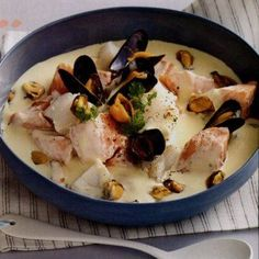 Blanquette with two fish and mussels - Graine de faim kely - - Blanquette aux deux poissons et aux moules Blanquette with two fish and mussels Shellfish Recipes, Seafood Recipes, Cooking Recipes, Healthy Recipes, Best Mussels Recipe, Salmon Potato, Salty Foods, Food Design, Design Design