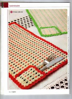 "Photo from album ""Croche - Arte experto on Yandex. Crochet Mat, Crochet Home, Love Crochet, Crochet Doilies, Crochet Flowers, Crochet Placemat Patterns, Crochet Table Runner Pattern, Crochet Flower Tutorial, Crochet Kitchen"