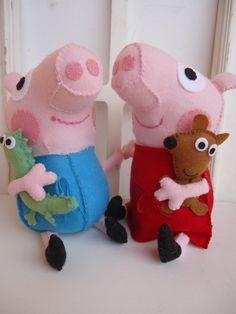 Peppa e George Pig em feltro , 25 cm acompanha o Teddy e o Dino