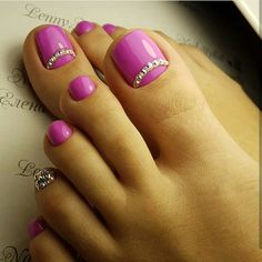 rhinestone nails — Ideas for nails pink diamonds rhinestones Pedicure Nail Art, Pedicure Designs, Toe Nail Designs, Toe Nail Art, Pink Pedicure, Pretty Toe Nails, Cute Toe Nails, My Nails, Fabulous Nails