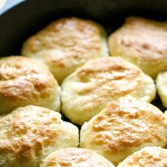 These Sprite Biscuits made with Bisquick are the easiest biscuits youll ever make! Buttery Biscuits, Homemade Biscuits, Buttermilk Biscuits, Blueberry Biscuits, Easy Biscuits, Buttery Rolls, Cinnamon Biscuits, Biscuit Bread, Biscuit Recipe