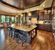 Kitchen & Dining Photo Gallery | Custom Homes in Kansas City KS | Starr Homes