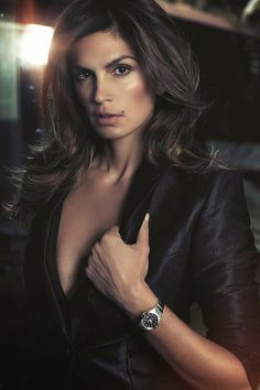 Cindy Crawford is back and flaunting it more than ever in racy new photoshoot for er, watches - 3am & Mirror Online