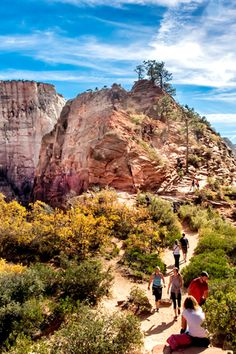 Explore the outdoors with these 10 spring hikes in the United States.