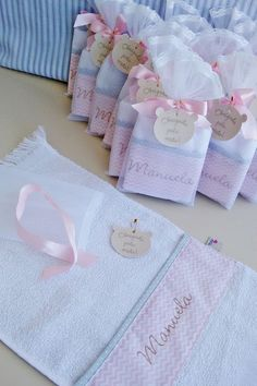 45 Ideas For Patchwork Quilt Knitted Pro - Diy Crafts - Marecipe Baby Shower Sweets, Baby Shower Gifts, Baby Gifts, Baby Favors, Baby Shawer, Welcome Baby, Goodie Bags, Baby Sewing, Future Baby