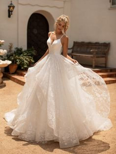 10 Gorgeous Ball Gown Wedding Dresses You'll Love - Bridal Musings - Source b. - 10 Gorgeous Ball Gown Wedding Dresses You'll Love – Bridal Musings – Source by chayapapaja – Cute Wedding Dress, Wedding Dress Trends, Princess Wedding Dresses, Best Wedding Dresses, Bridal Dresses, Wedding Outfits, Corset Wedding Dresses, Wedding Dress Sparkle, A Line Wedding Dress Sweetheart