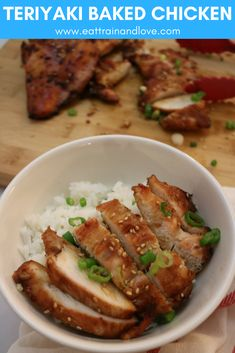 This teriyaki baked chicken is the perfect recipe to make for a healthy weeknight meal. Simply prep it in the morning and stick in the oven after work for a simple, clean and healthy chicken dinner Chicken Eating, Healthy Chicken Dinner, Healthy Chicken Recipes, Baked Chicken, Healthy Dinner Recipes, Cooking Recipes, Easy Recipes, Recipies Healthy, Chicken Recepies