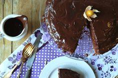 Bolo de chocolate e café {com cobertura de cacau}