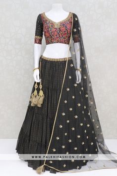 Indian Designer Outfits, Indian Outfits, Black Lehenga, You Look Stunning, Desi Clothes, Fashion Colours, Lehenga Choli, Blouse Designs, High Waisted Skirt
