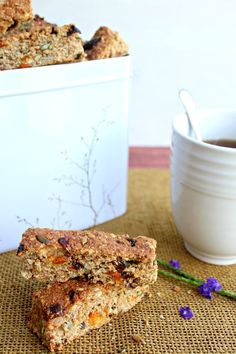 These Mango Date Brown Flour Muesli Rusks are a healthy South African rusk recipe that is easy to make, naturally sweetened and packed full of goodness! Healthy Cookies, Healthy Snacks, Rusk Recipe, Muesli Recipe, South African Recipes, New Recipes, Recipies, Tray Bakes, I Foods