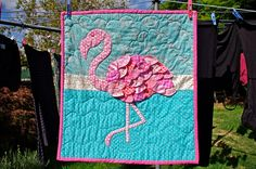 Flamingo Quilt, I must have. Adore the feathers, colors, quilting Flamingo Craft, Flamingo Fabric, Flamingo Decor, Pink Flamingos, Flamingo Bird, Quilting Projects, Sewing Projects, Sewing Ideas, Bird Quilt