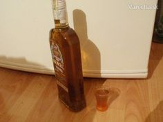 Becherovka domáca - Stomaran Cocktail, Hot Sauce Bottles, Whiskey Bottle, Vodka, Detox, Drinks, Cooking, Food, Drink