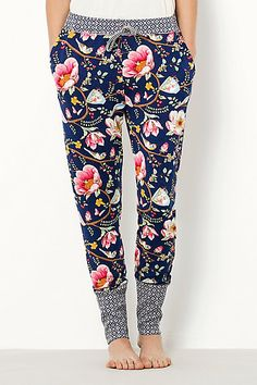 Lotus Garden Loungers - anthropologie So cute! Mode Style, Style Me, Diy Vetement, Look Fashion, Womens Fashion, Inspiration Mode, Lounge Wear, Lounge Pants, Comfy Pants