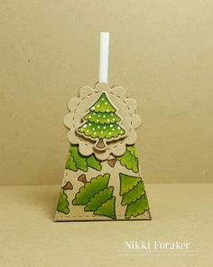 PACK 15 CHRISTMAS TREE BRAD EMBELLISHMENT FOR CARDS /& CRAFT