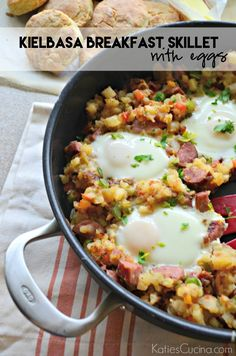 Make this easy Kielbasa Breakfast Skillet with Eggs for the next brunch you host! This recipe feeds an army and is perfect for entertaining! Egg Skillet, Breakfast Skillet, Vegetarian Breakfast, Sausage Breakfast, Breakfast Time, Breakfast Quiche, Kielbasa, Brunch Recipes, Breakfast Recipes