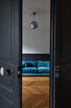 salon rasp 1 Peacock Blue Bedroom, Fantasy Bedroom, Door Handles, Interior Decorating, Doors, Living Room, Architecture, Victor Hugo, House