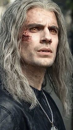 Movies-Tv Series — Geralt of Rivia, The Witcher ❤️ The Witcher Movie, The Witcher Wild Hunt, The Witcher Geralt, Tv Series On Netflix, Sword Of Destiny, Drag King, My Superman, Aesthetic Gif, Henry Cavill