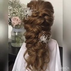 86 cool wedding hairstyles for the modern bride - Hairstyles Trends Long Hair Wedding Styles, Short Hair Styles Easy, Wedding Hair And Makeup, Medium Hair Styles, Half Up Wedding Hair, Wedding Flower Hair, Half Up Half Down Bridal Hair, Flower Girl Hair, Wedding Hair Plaits